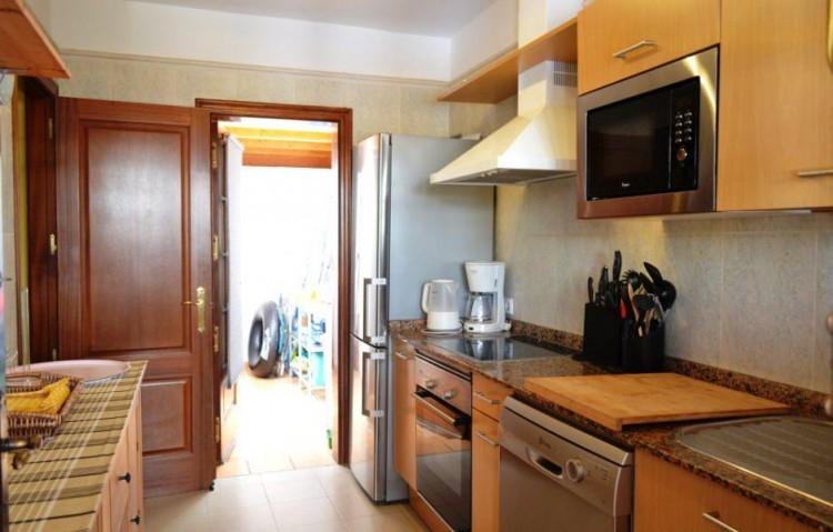 2 Bed  Villa/House for Sale, Playa Blanca, Lanzarote - LA-LA899s 4