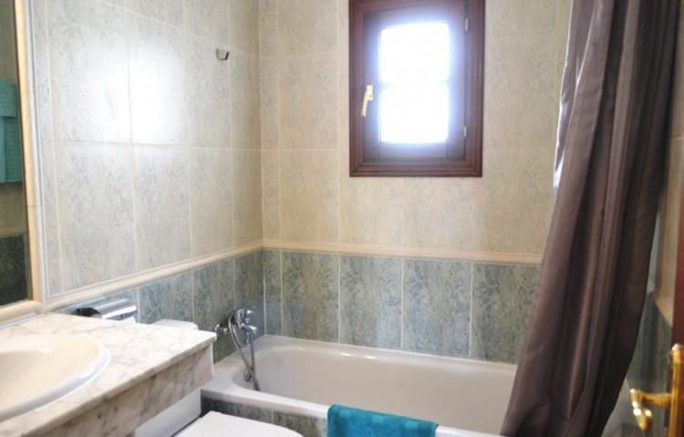 2 Bed  Villa/House for Sale, Playa Blanca, Lanzarote - LA-LA899s 8