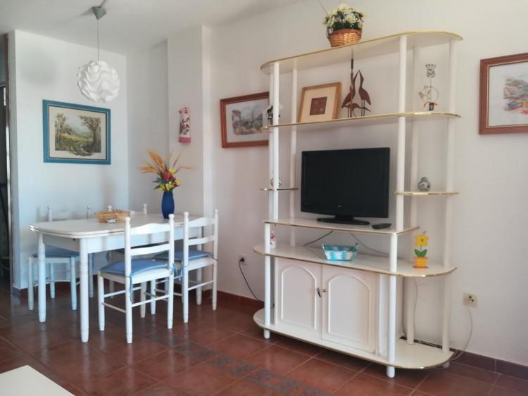 2 Bed  Flat / Apartment to Rent, Callao Salvaje, Santa Cruz de Tenerife, Tenerife - IN-348 4