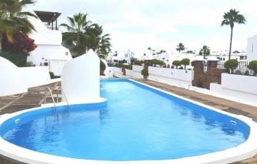 2 Bed  Flat / Apartment for Sale, Puerto Del Carmen, Lanzarote - LA-LA902s