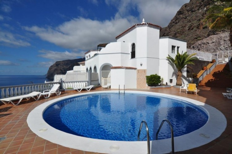 1 Bed  Flat / Apartment for Sale, Los Gigantes, Tenerife - YL-PW120 1