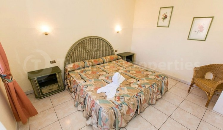 1 Bed  Flat / Apartment for Sale, Chayofa, Tenerife - TP-13516 2