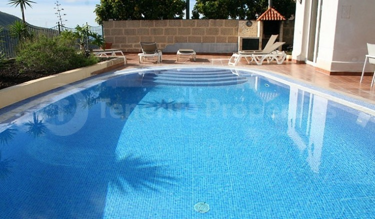 3 Bed  Villa/House for Sale, Chayofa, Tenerife - TP-13681 10