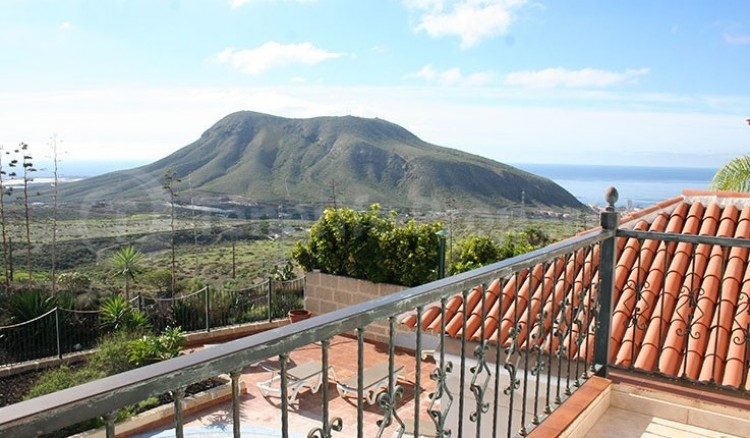 3 Bed  Villa/House for Sale, Chayofa, Tenerife - TP-13681 13