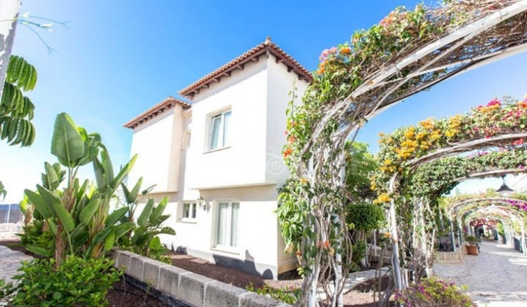 3 Bed  Villa/House for Sale, Chayofa, Tenerife - TP-13681 14