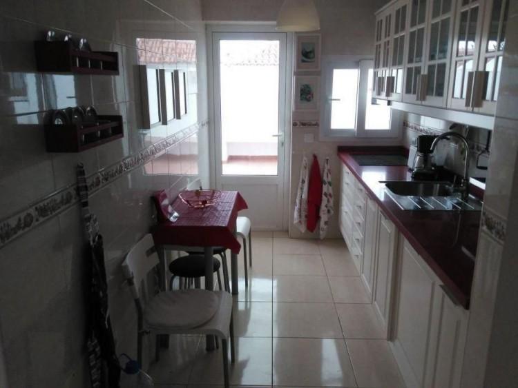 2 Bed  Villa/House to Rent, Las Palmas, Playa del Inglés, Gran Canaria - DI-16110 3