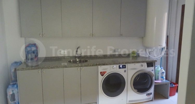 4 Bed  Villa/House for Sale, Bahia del Duque, Tenerife - TP-13965 12