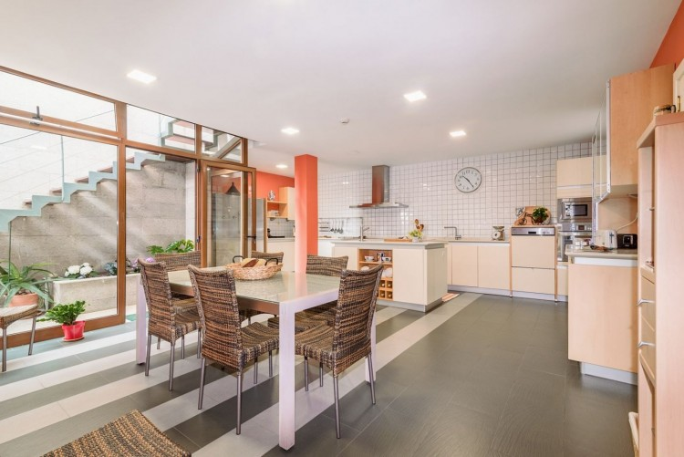 5 Bed  Villa/House for Sale, Las Palmas de Gran Canaria, LAS PALMAS, Gran Canaria - BH-9038-AP-2912 11