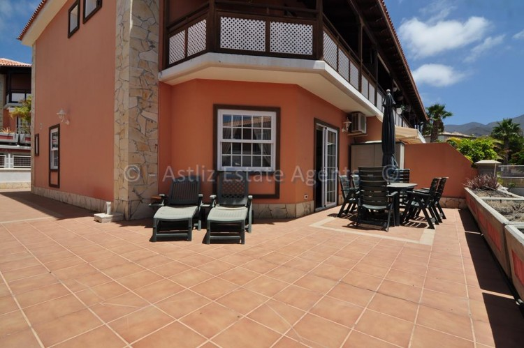 4 Bed  Villa/House for Sale, Adeje, Tenerife - AZ-1378 1