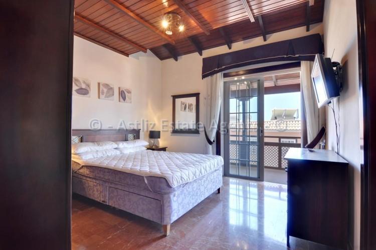 4 Bed  Villa/House for Sale, Adeje, Tenerife - AZ-1378 19
