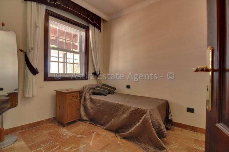 4 Bed  Villa/House for Sale, Adeje, Tenerife - AZ-1378 5