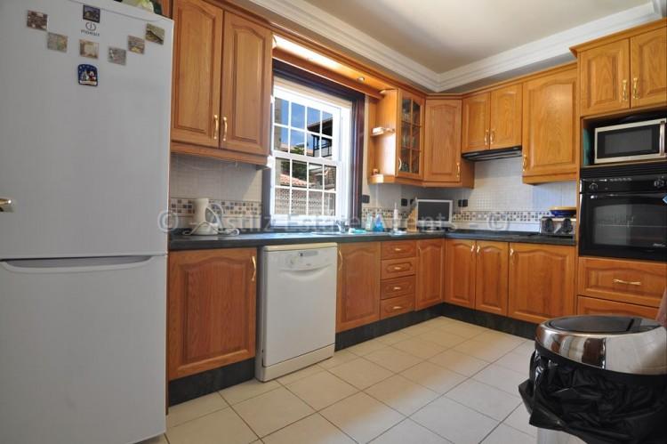 4 Bed  Villa/House for Sale, Adeje, Tenerife - AZ-1378 8