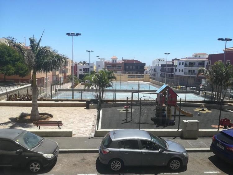 2 Bed  Flat / Apartment for Sale, San Isidro, Santa Cruz de Tenerife, Tenerife - IN-402 1