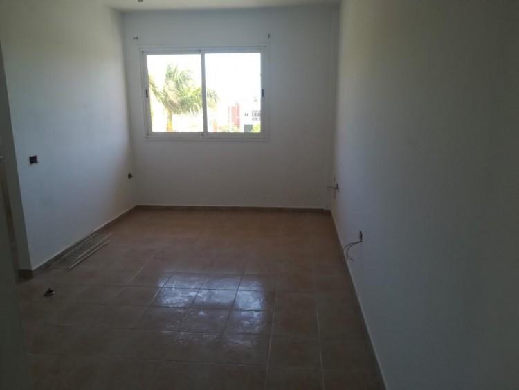 2 Bed  Flat / Apartment for Sale, San Isidro, Santa Cruz de Tenerife, Tenerife - IN-402 2