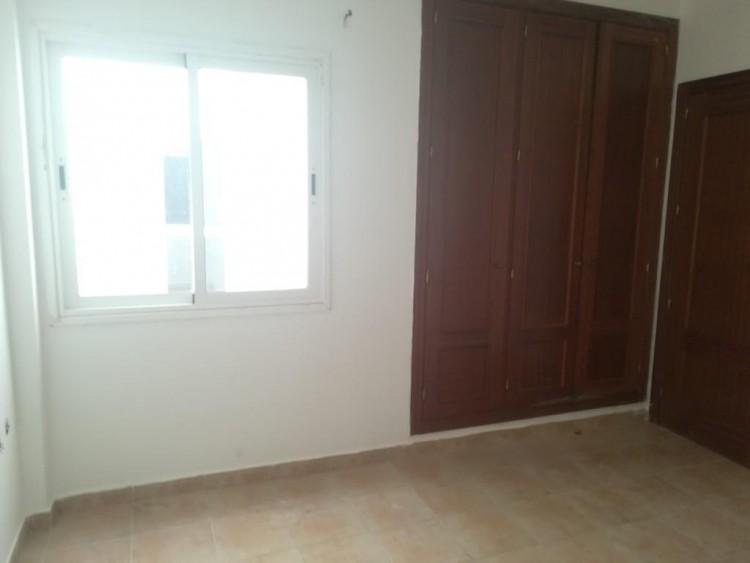 2 Bed  Flat / Apartment for Sale, San Isidro, Santa Cruz de Tenerife, Tenerife - IN-402 4