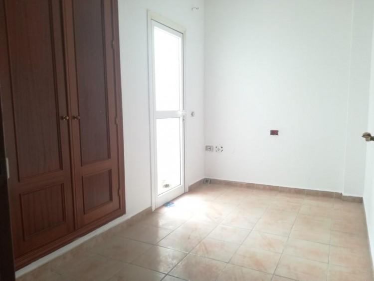 2 Bed  Flat / Apartment for Sale, San Isidro, Santa Cruz de Tenerife, Tenerife - IN-402 5