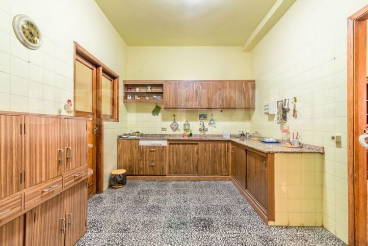 6 Bed  Flat / Apartment for Sale, Las Palmas de Gran Canaria, LAS PALMAS, Gran Canaria - BH-9093-FAC-2912 1