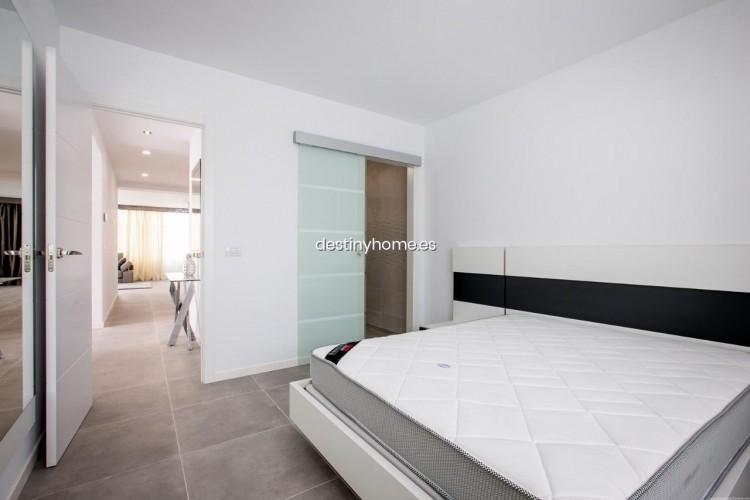 3 Bed  Villa/House for Sale, Palm-Mar, Santa Cruz de Tenerife, Tenerife - DH-VPTVIPMYAROS_09-19 19