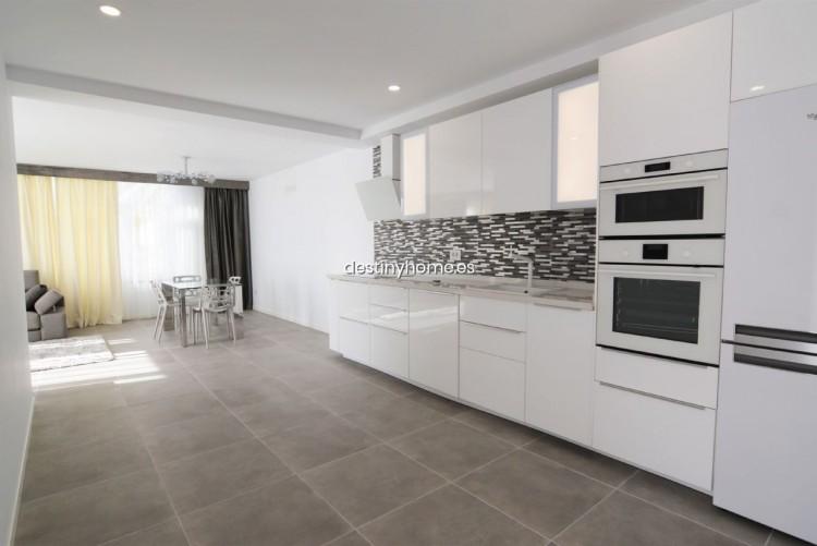 3 Bed  Villa/House for Sale, Palm-Mar, Santa Cruz de Tenerife, Tenerife - DH-VPTVIPMYAROS_09-19 4