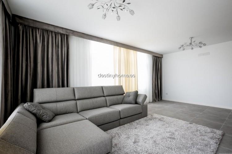 3 Bed  Villa/House for Sale, Palm-Mar, Santa Cruz de Tenerife, Tenerife - DH-VPTVIPMYAROS_09-19 7