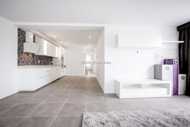 3 Bed  Villa/House for Sale, Palm-Mar, Santa Cruz de Tenerife, Tenerife - DH-VPTVIPMYAROS_09-19 9
