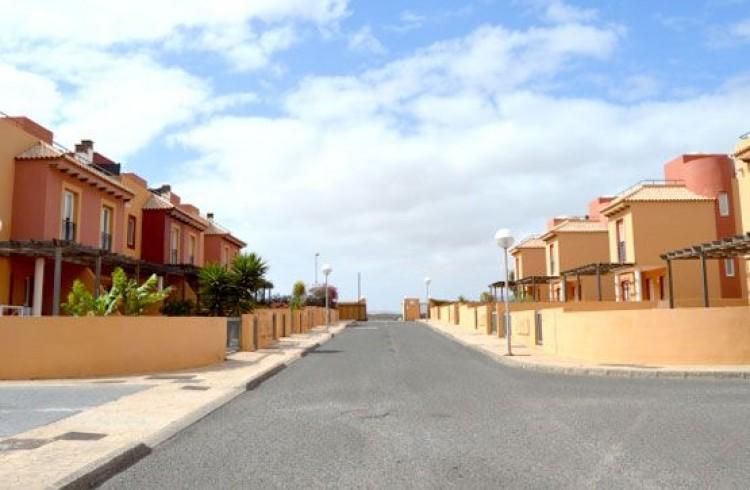 3 Bed  Villa/House for Sale, Corralejo, Las Palmas, Fuerteventura - DH-VALSCHADUNASD2-99 2