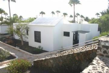 2 Bed  Villa/House for Sale, Costa Teguise, Lanzarote - LA-LA910