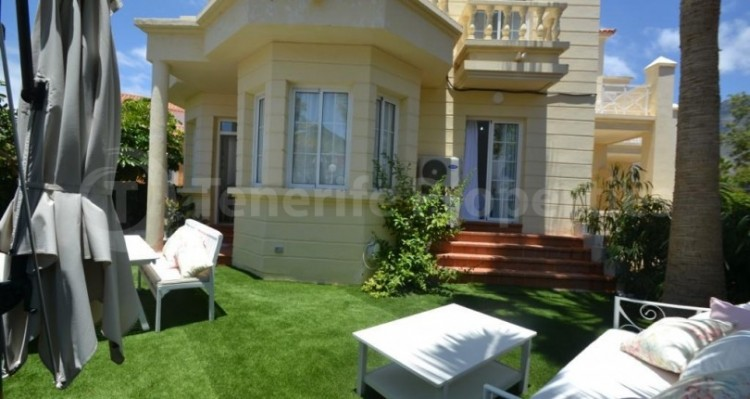 2 Bed  Flat / Apartment for Sale, Playa Fañabe, Tenerife - TP-14856 1