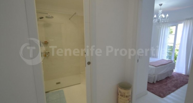 2 Bed  Flat / Apartment for Sale, Playa Fañabe, Tenerife - TP-14856 17