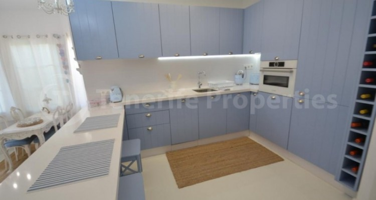 2 Bed  Flat / Apartment for Sale, Playa Fañabe, Tenerife - TP-14856 7