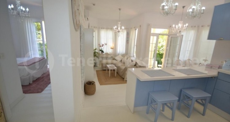 2 Bed  Flat / Apartment for Sale, Playa Fañabe, Tenerife - TP-14856 9