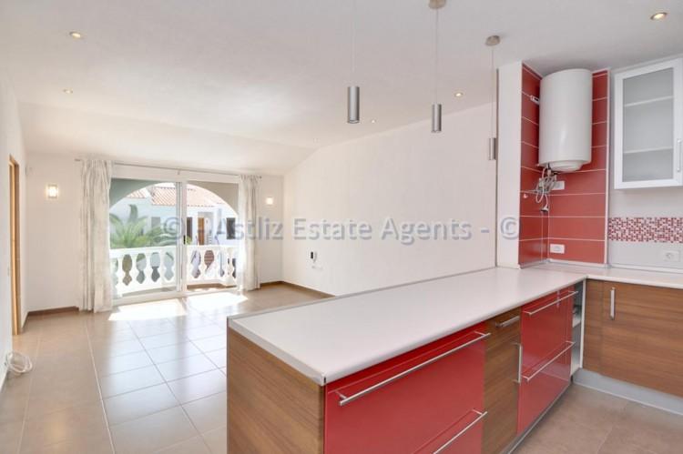3 Bed  Flat / Apartment for Sale, Callao Salvaje, Adeje, Tenerife - AZ-1391 2