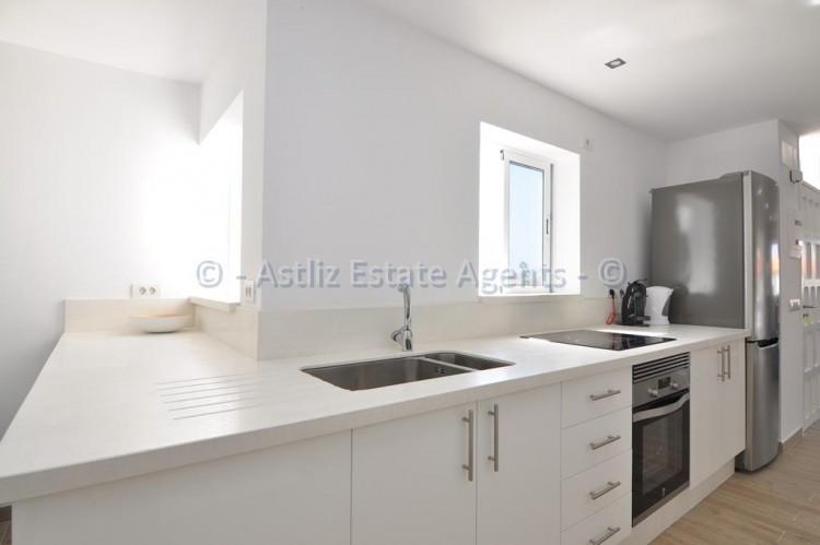 3 Bed  Flat / Apartment for Sale, Los Gigantes, Santiago Del Teide, Tenerife - AZ-1392 10