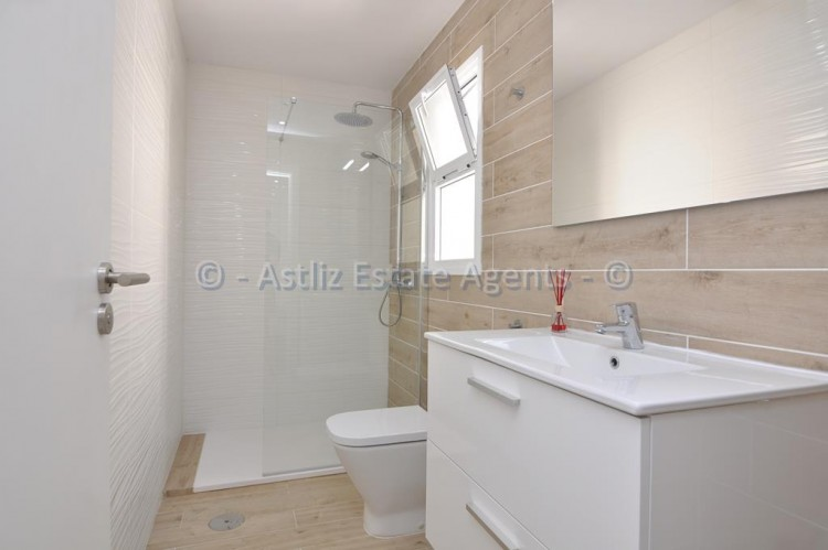 3 Bed  Flat / Apartment for Sale, Los Gigantes, Santiago Del Teide, Tenerife - AZ-1392 17