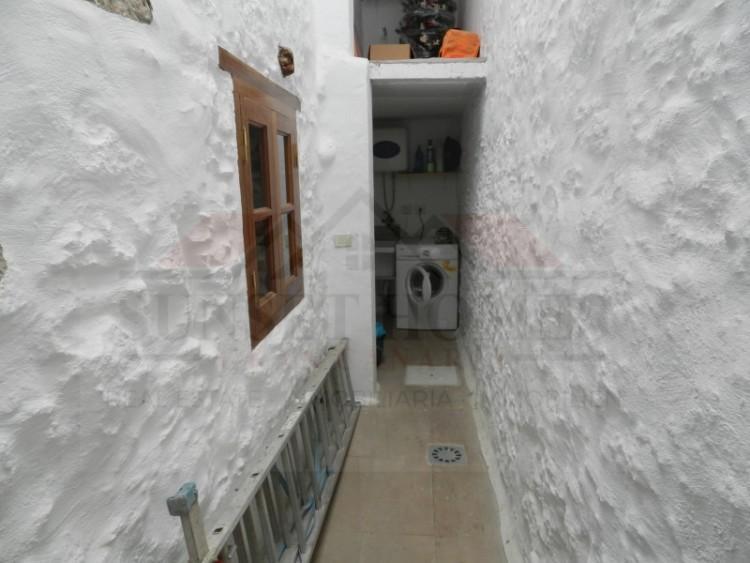 3 Bed  Villa/House to Rent, Agüimes, Gran Canaria - SH-2430R 12
