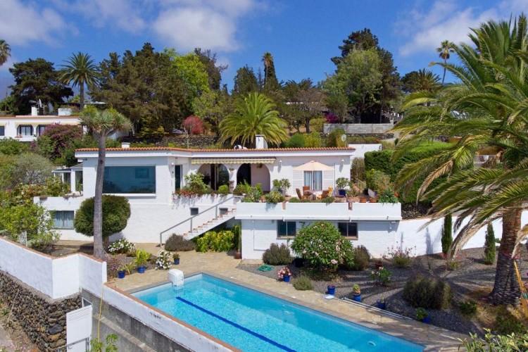 6 Bed  Villa/House for Sale, Vista Valle, El Paso, La Palma - LP-E630 1