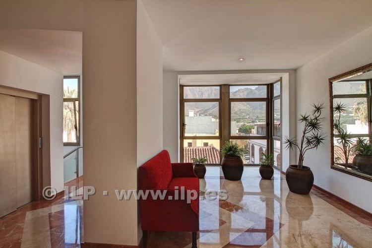 3 Bed  Villa/House for Sale, In the historic center, Los Llanos, La Palma - LP-L550 2