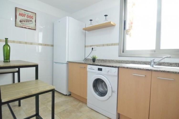 2 Bed  Flat / Apartment for Sale, Puerto del Rosario, Las Palmas, Fuerteventura - DH-XVTPTPISPUE2b-69 5
