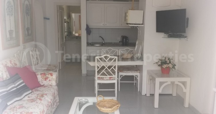 2 Bed  Flat / Apartment for Sale, Playa Fañabe, Tenerife - TP-15195 3