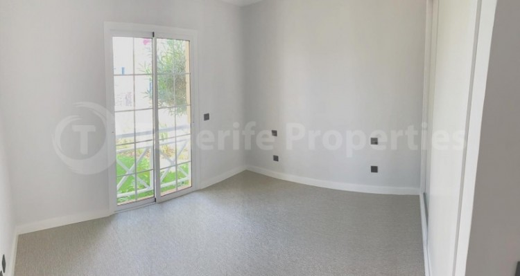 2 Bed  Flat / Apartment for Sale, Playa Fañabe, Tenerife - TP-15321 3