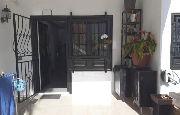 2 Bed  Flat / Apartment for Sale, Puerto Del Carmen, Lanzarote - LA-LA924s 1