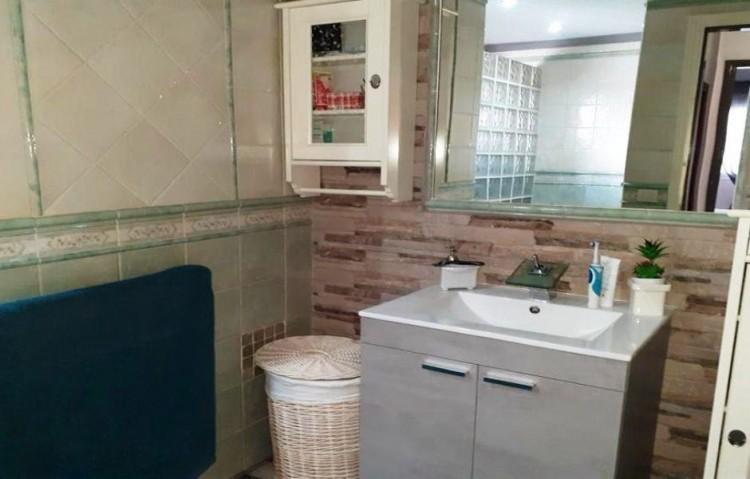 2 Bed  Flat / Apartment for Sale, Puerto Del Carmen, Lanzarote - LA-LA924s 10