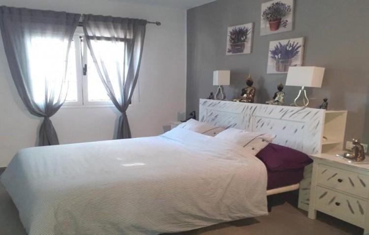2 Bed  Flat / Apartment for Sale, Puerto Del Carmen, Lanzarote - LA-LA924s 7