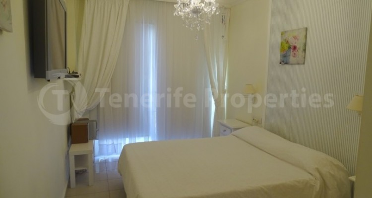 1 Bed  Flat / Apartment for Sale, Bahia del Duque, Tenerife - TP-15367 5