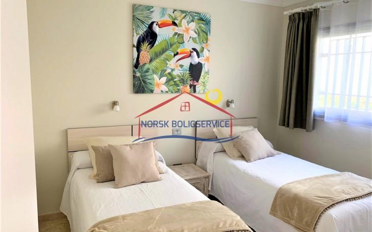 2 Bed  Flat / Apartment to Rent, Amadores, Gran Canaria - NB-2475 7