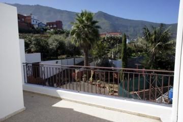 2 Bed  Flat / Apartment to Rent, Los Realejos, Tenerife - IC-API10575