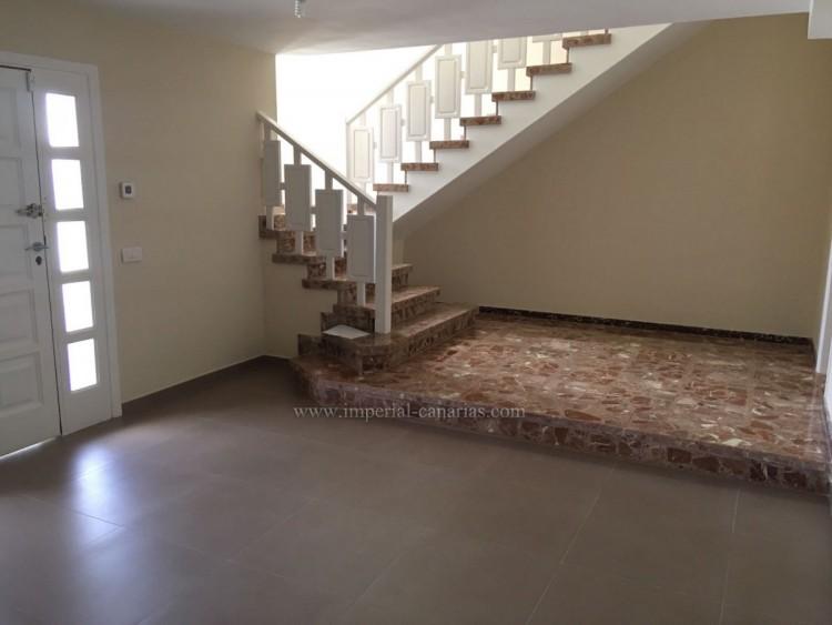 5 Bed  Villa/House for Sale, La Laguna, Tenerife - IC-VCH10454 3