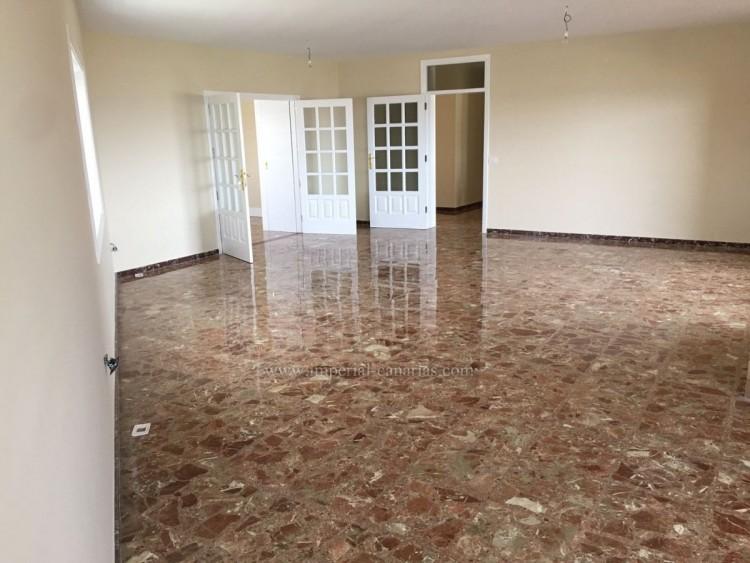 5 Bed  Villa/House for Sale, La Laguna, Tenerife - IC-VCH10454 4