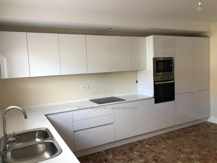 5 Bed  Villa/House for Sale, La Laguna, Tenerife - IC-VCH10454 6