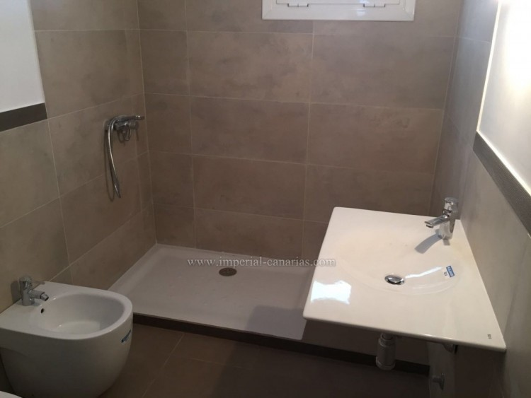 5 Bed  Villa/House for Sale, La Laguna, Tenerife - IC-VCH10454 8